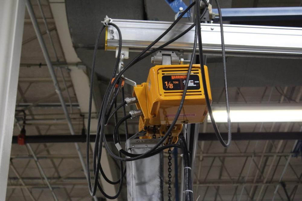 Ingersoll Rand Overhead Crane System w/ 1/8 Ton Harrington