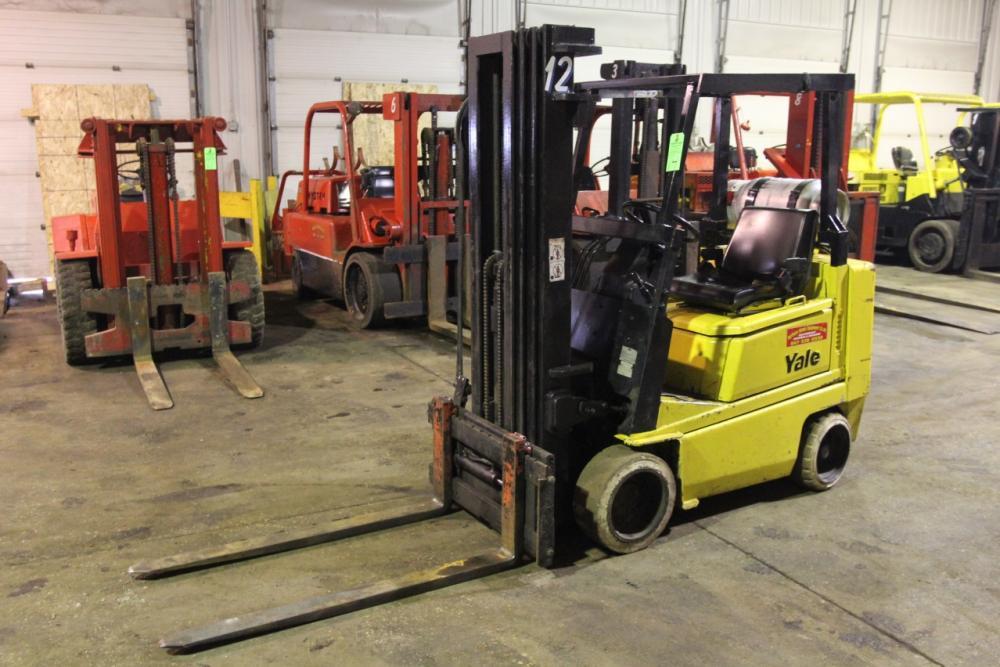 3,000 LB Yale GLC040AENUA0084 LP Forklift, s/n N525826, 4