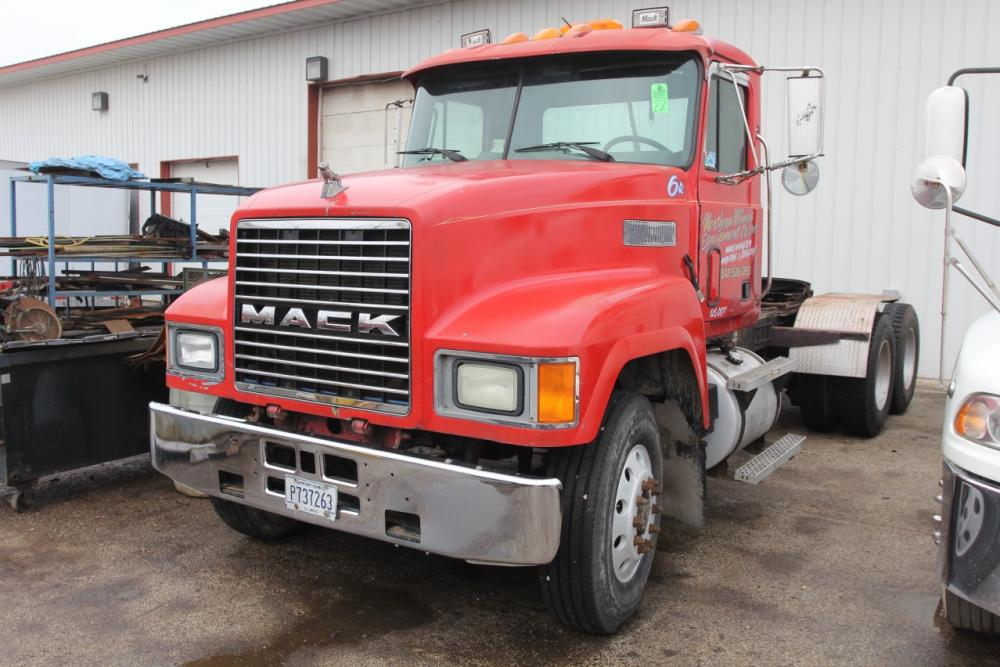 1994 Mack CH600 Tandem Axle Conventional Cab Truck Tractor